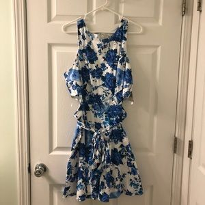 f77172300 Women White And Blue White Speechless Floral Dress on Poshmark